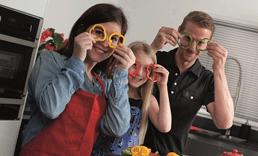 מבשלים יחד לחגים וגם זמן איכות עם הילדים